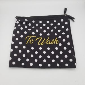 Laundry bag set to wear to wash zipper bags